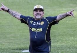 Diego Maradona é internado em clínica de Buenos Aires