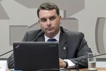 MP cita localização de celulares de 'funcionários fantasmas' de Flávio Bolsonaro