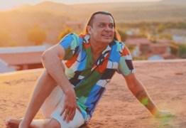 """Frank Aguiar muda nome para Luz Aguiar: """"Evolução espiritual"""""""