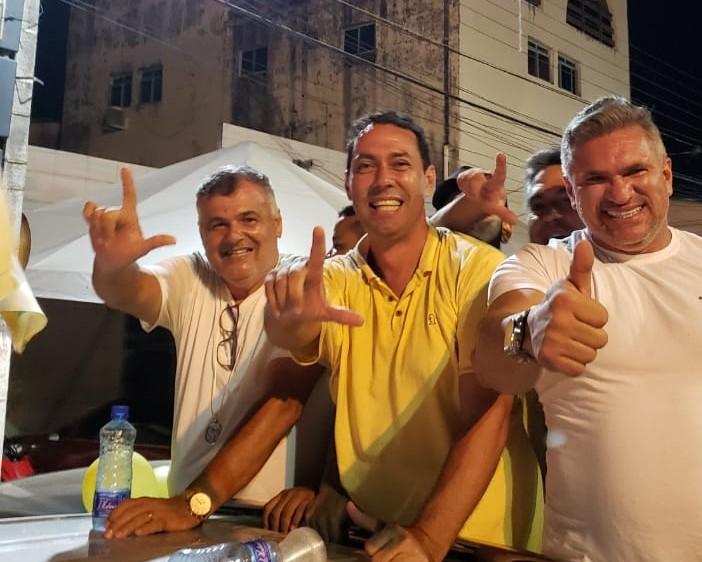 WhatsApp Image 2020 11 15 at 21.33.02 - Em Lucena, Leo Bandeira supera a compra de votos e derrota sobrinho do prefeito