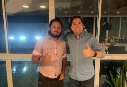 Eleição para presidente da Câmara de João Pessoa: Mikika Leitão recebe apoio do vereador eleito Junior Leandro