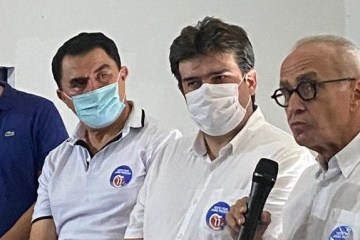 Wilson Santiago participa de plenária de Cícero Lucena no Bancários e assume compromisso de ajudar Prefeitura de João Pessoa em Brasília