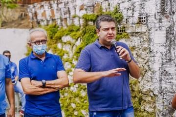 WhatsApp Image 2020 11 29 at 11.00.25 - Senador Diego Tavares vota no Colégio Primeiro Mundo, em Manaíra
