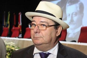 Arthur Cunha Lima pede aposentadoria no TCE-PB, Assembleia deve escolher novo conselheiro; confira o documento
