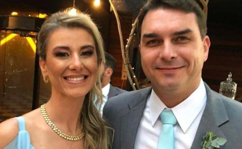 """bolsooo - """"DEPÓSITOS DESCONHECIDOS"""": Flávio Bolsonaro recebeu 146 depósitos para comprar apartamento de frente para o mar"""