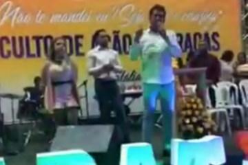 """Em culto, pai de vereadora pede votos em João Campos para """"não perder 232 cargos"""" na prefeitura de Recife – VEJA VÍDEO"""