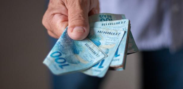 dinheiro moeda real 1589822622769 615x300 - Salário mínimo em outubro deveria ter sido de R$ 5.005,91, diz Dieese