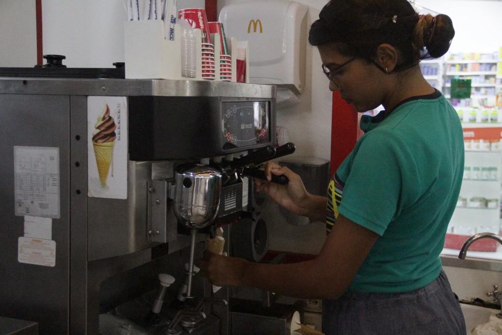 img 4160 - Oportunidade de emprego: franquia de fast food abre 15 vagas para atendente, em João Pessoa e Campina Grande