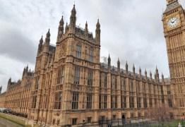 Epidemia de Covid-19 desacelera no Reino Unido após lockdown