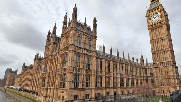 reino unido - Epidemia de Covid-19 desacelera no Reino Unido após lockdown