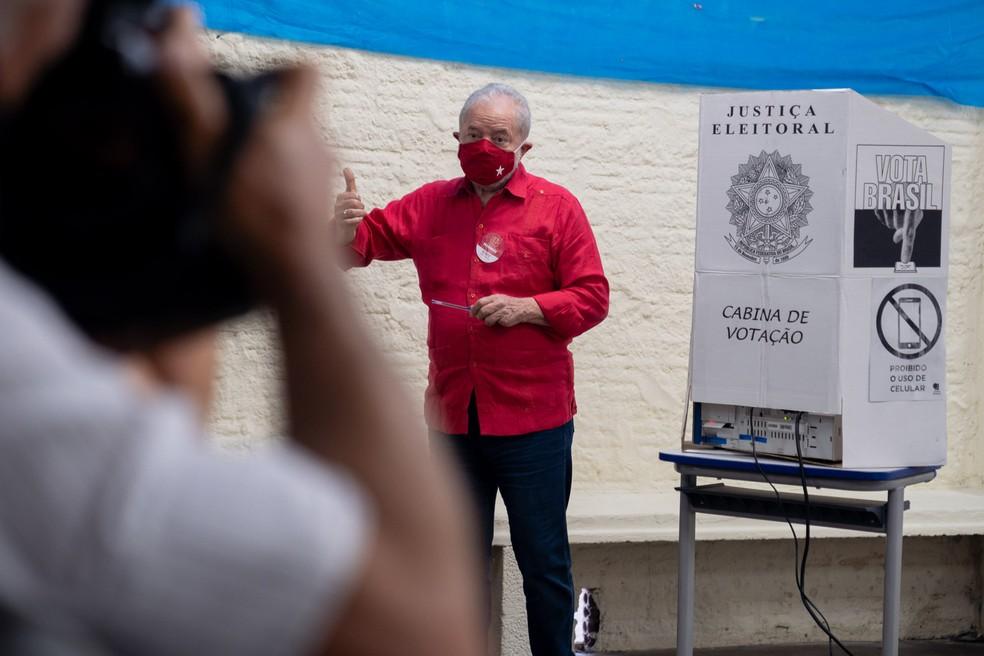 votacao lula dsc0806 marcelo brandt g1 - Lula vota em São Bernardo e diz que PT sairá fortalecido nessas eleições; VEJA VÍDEO
