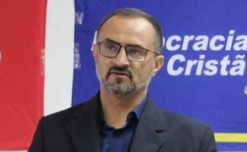 Diretório estadual do DC destitui presidente municipal por traição e refirma apoio a Cícero Lucena