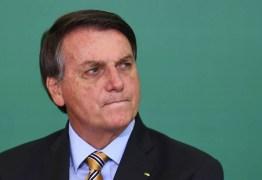 Após reações, Bolsonaro revoga decreto sobre promoção de militares do Exército