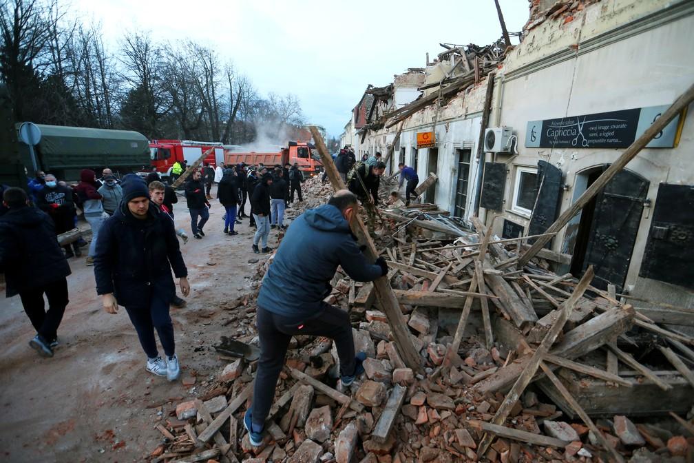 2020 12 29t155029z 70590678 rc23xk93avd1 rtrmadp 3 croatia quake zagreb - Região da Croácia é atingida por terremoto deixando mortos e feridos