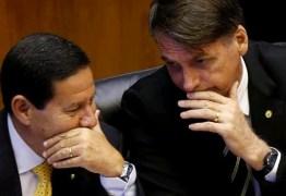 'Faz algum tempo que nós não temos uma conversa particular', diz Mourão sobre Bolsonaro