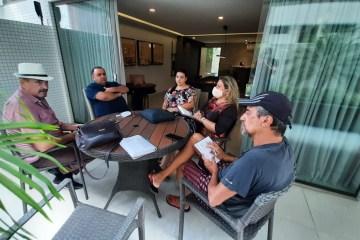 Parte da equipe do gabinete do deputado Jeová Campos - Jeová Campos reúne equipe do gabinete para avaliar os dois primeiros anos do atual mandato e programar segundo biênio