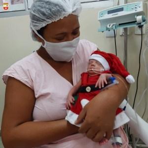 WhatsApp Image 2020 12 21 at 21.40.53 2 300x300 - Bebês de UTI neonatal fazem ensaio fotográfico para o Natal