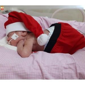 WhatsApp Image 2020 12 21 at 21.40.54 3 300x300 - Bebês de UTI neonatal fazem ensaio fotográfico para o Natal