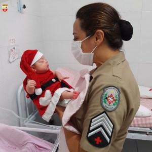 WhatsApp Image 2020 12 21 at 21.40.55 300x300 - Bebês de UTI neonatal fazem ensaio fotográfico para o Natal