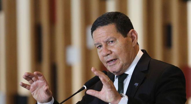 agencia brasil hamilton mourao 1500 13112020125445198 - Mourão critica possibilidade de reeleição na Câmara e no Senado
