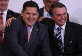 Alcolumbre deve rejeitar ministério de Bolsonaro para ser vice no Senado