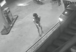 Câmeras de segurança registram assalto a posto de gasolina, em João Pessoa