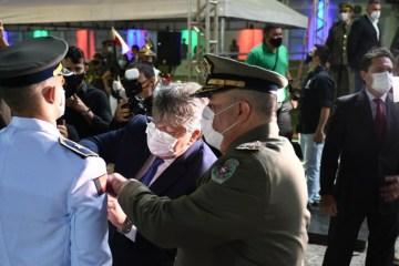 João Azevêdo prestigia formatura de novos aspirantes a oficial da Polícia Militar