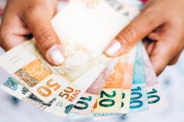 Governo divulga datas de parcela única de R$ 300 para 1,2 milhão de pessoas