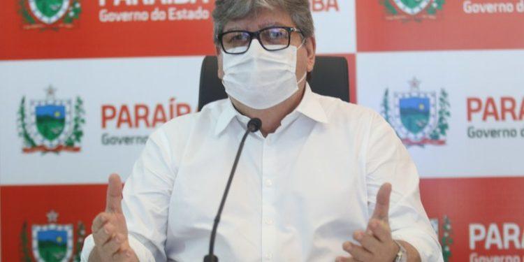 joao azevedos 750x375 1 - João Azevêdo comemora insumos: 'Vamos vencer esta pandemia por meio da vacina'