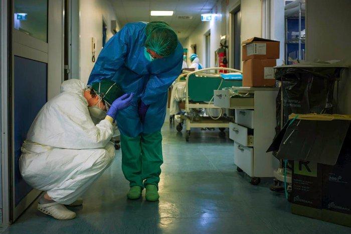 médicos coronavírus - Mutação do coronavírus está fora de controle, diz ministro britânico