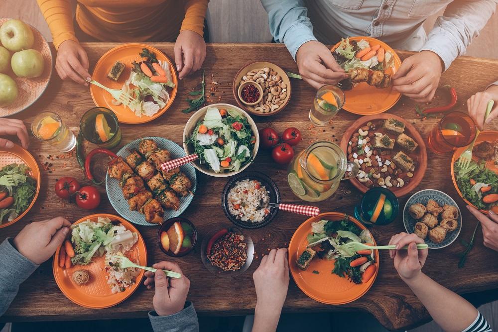 mesa - Nutricionista dá dicas de como se alimentar sem culpa nas festas de fim de ano