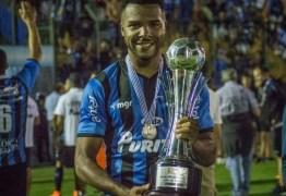 Jogador Maxi Pereira morre aos 27 anos