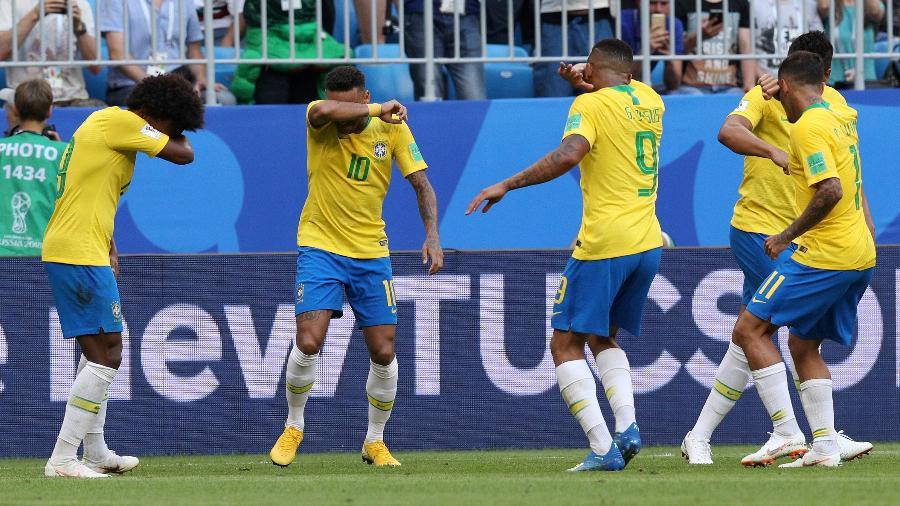 neymar comemora gol pela selecao brasileira com gesto do game counter strike 1530567877860 v2 900x506 - Fifa suspende Brasil x Argentina na Arena de Pernambuco e demais jogos das Eliminatórias em março