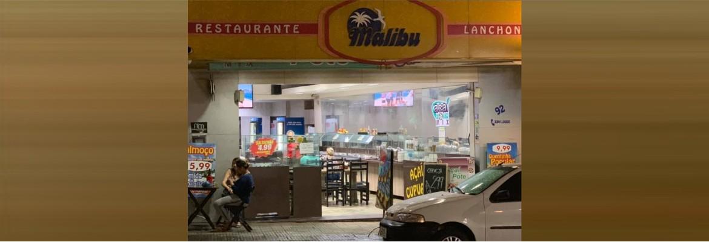 restaurante malibu - Restaurante é condenado por proibir cliente com peso acima de 80Kg de sentar em cadeira