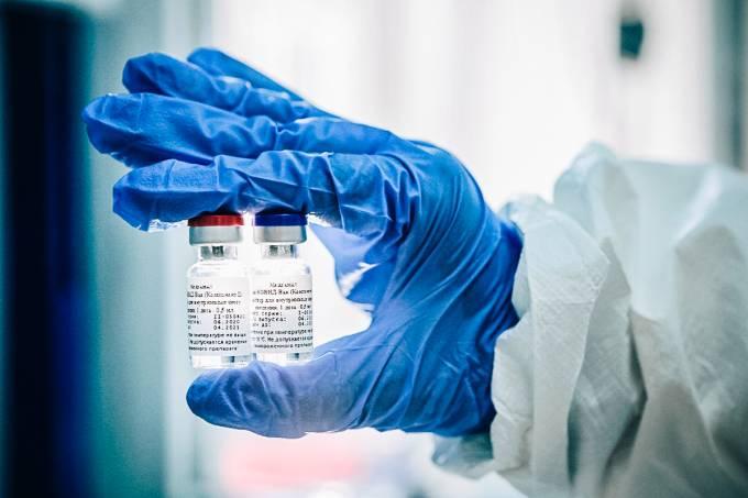 vacina 1 - Anvisa autoriza uso emergencial de vacinas contra a covid-19 no país