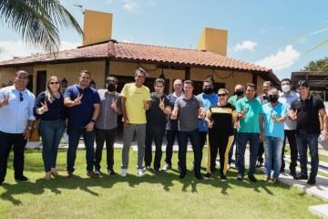 """Prefeitos da PB destacam apoio municipalista de Veneziano: """"Gabinete do senador é a nossa casa"""""""