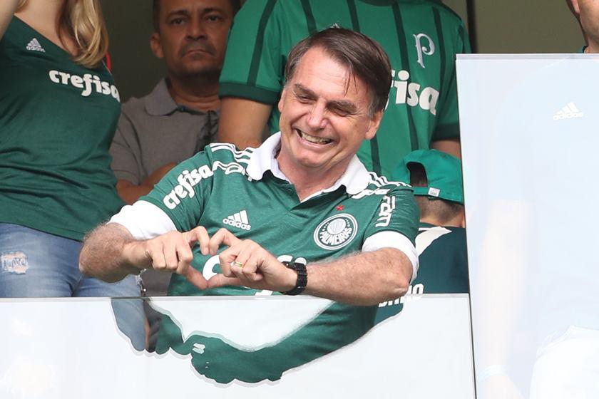 AGE20181202059 - Bolsonaro anuncia que não irá assistir a final da Libertadores no Maracanã