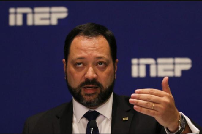 """Alexandre Lopes Presidente do Inep - """"Se é seguro ir no restaurante da cidade, é seguro fazer o Enem"""", diz presidente do Inep"""
