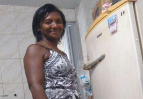 Capturar 34 - CHEIRO FORTE NA CASA: Mulher é encontrada morta, amarrada e enrolada em lençol