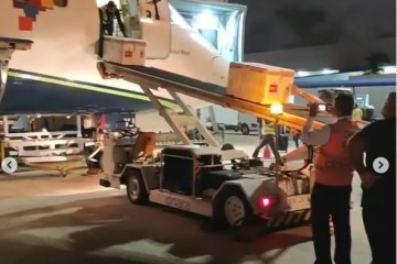 CORONAVAC NA PARAÍBA: Assista o momento da chegada das doses da vacina no Aeroporto Castro Pinto