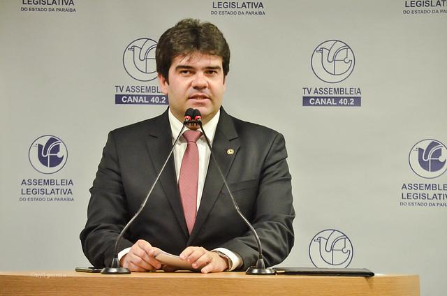 EDUARDO8 - Eduardo apresenta projeto de lei para estimular o uso do etanol na Paraíba