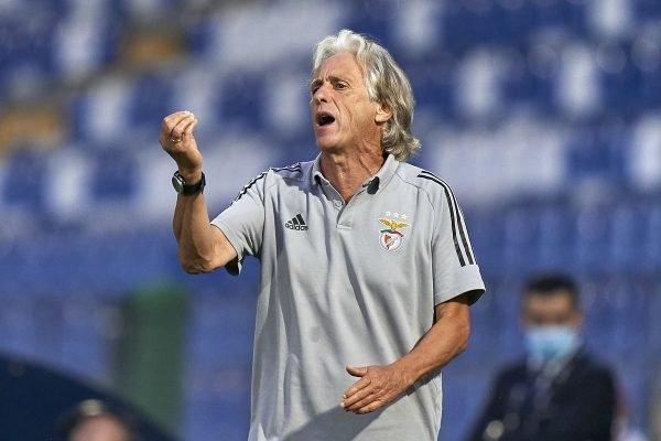 Jorge Jesus benfica camisa 600x400 1 - Jorge Jesus recebe ultimado do presidente do Benfica; treinador é cogitado por clubes brasileiros