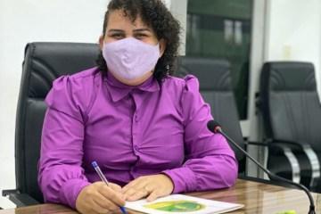 Luciene de Fofinho 696x535 1 - Prefeitura de Bayeux inicia vacinação contra a Covid-19; Enfermeira de 60 anos vai receber a primeira dose da CoronaVac