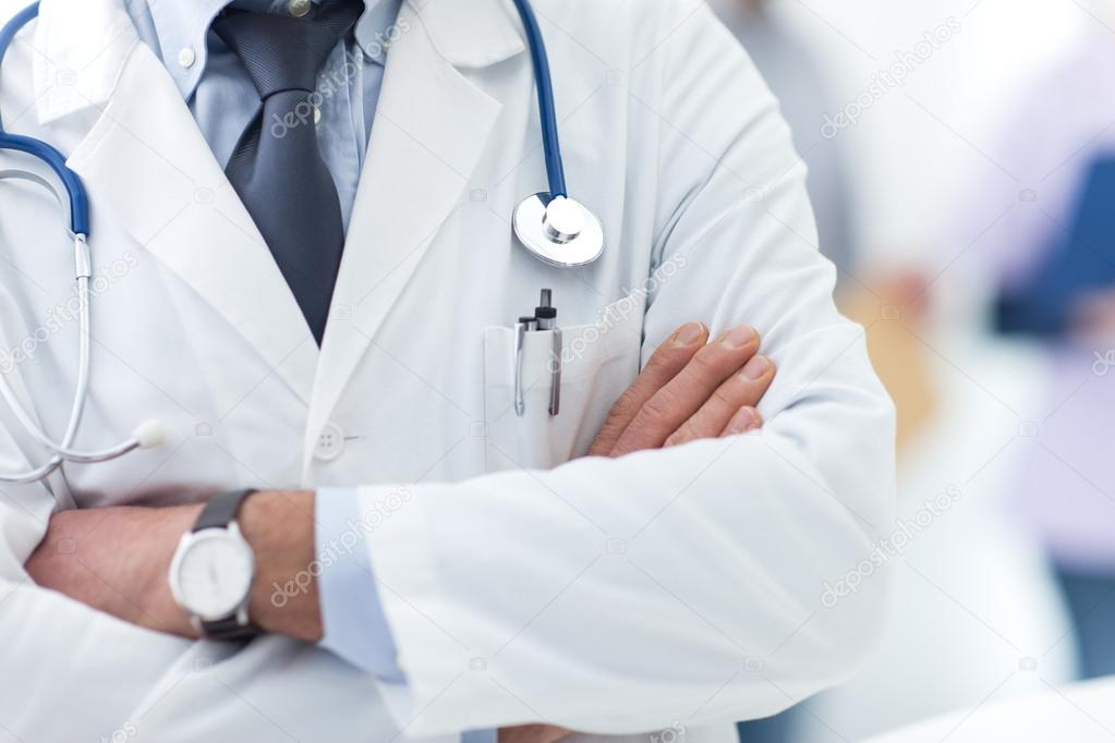 Médicos braços cruzados - Começam neste sábado (16), inscrições para processo seletivo com 40 vagas para médicos, na Paraíba