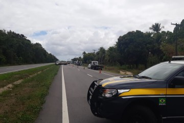WhatsApp Image 2021 01 15 at 09.46.42 1 - Motorista perde controle de ambulância e capota na BR-230, na Grande João Pessoa