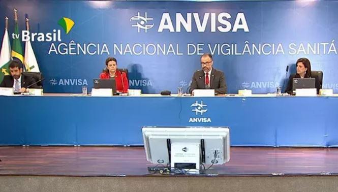 aaaa - Anvisa aprova por unanimidade o uso emergencial das vacinas de Oxford e Coronavac no Brasil