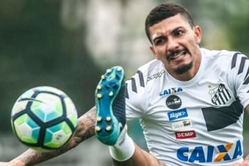 Baixa no Santos: jogador Alison testa positivo para covid-19