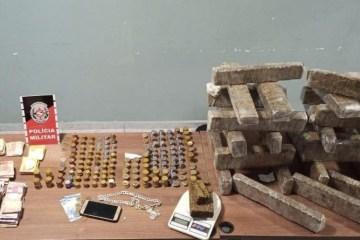 apreensao drogas - Polícia militar prende homem, desarticula ponto de tráfico e apreende 26kg de drogas em CG