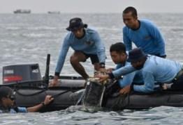 Caixas-pretas do Boeing que caiu na Indonésia são encontradas