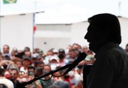 Jair Bolsonaro volta a sabotar confiança da população nas vacinas contra a Covid-19
